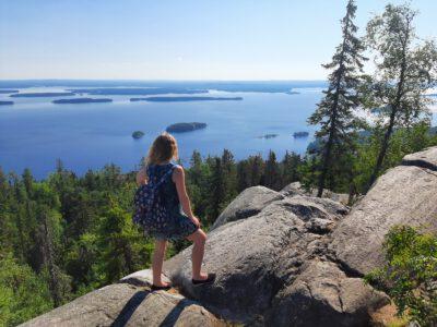 Suomen ympäri 12 päivässä – alkusanat